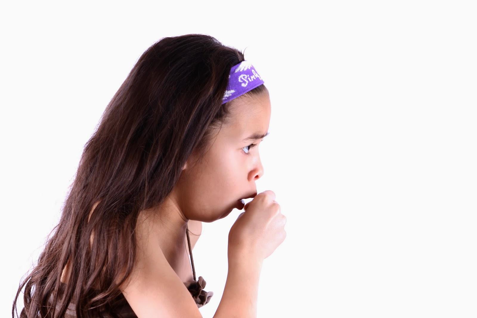 Причины кашля после еды у взрослых и детей: как лечить мокроту, почему начинается покашливание после приема пищи