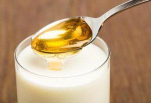 топленое молоко с медом