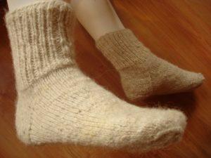 Шерстяные носки на ночь