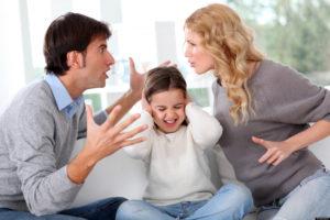 Конфликты в семье – одна из причин возникновения психосоматического бронхита у детей