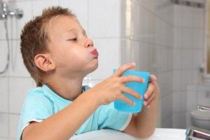 полоскание полости рта и горла