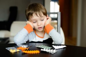 Детям до 12 лет таблетки от кашля с кодеином давать нельзя