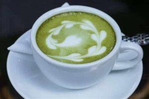 Зеленый чай с салом и молоком
