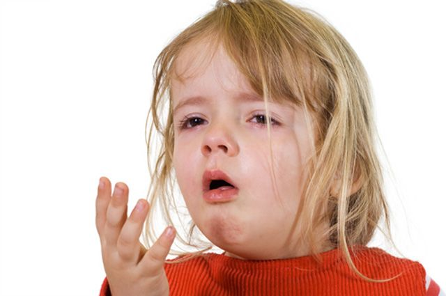Почему ребенок кашляет до рвоты: что делать при сильном приступе кашля ночью