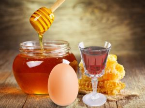 яйцо с медом и коньяком